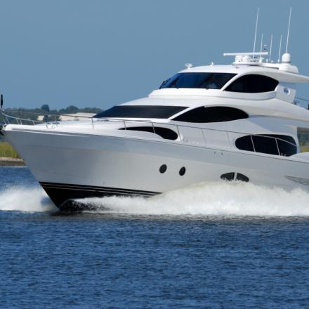 White yacht on running on blue body of water during daytime 163236